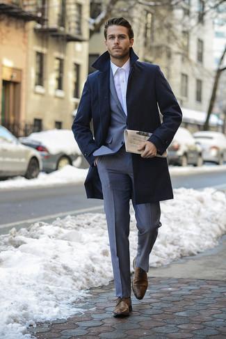 С чем носить классический костюм мужчине