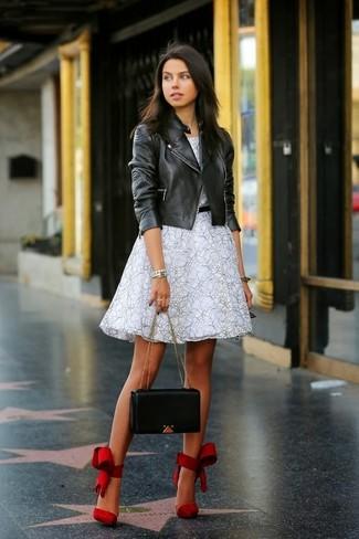 Модные куртки и туфли