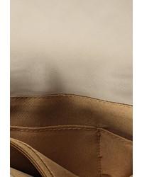 Бежевая кожаная сумка через плечо от Marc Johnson
