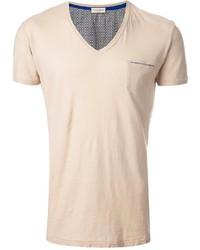 Бежевая футболка с v-образным вырезом