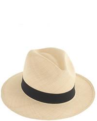Бежевая шляпа
