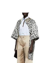 Бежевая шуба с леопардовым принтом