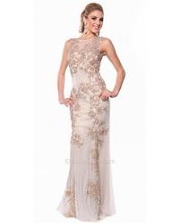 Бежевое вечернее платье с украшением