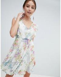 ea281a6dae1 Купить бежевое коктейльное платье с цветочным принтом - модные модели  коктейльных платьев