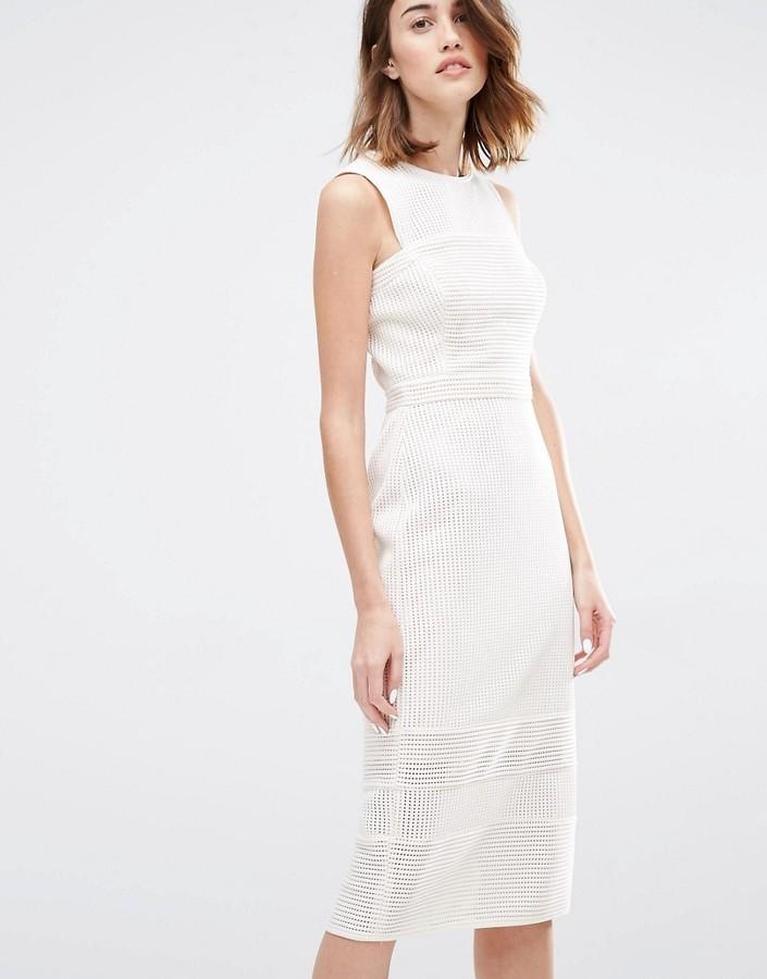 d46c0f12458 ... Бежевое кружевное платье-футляр от Warehouse ...