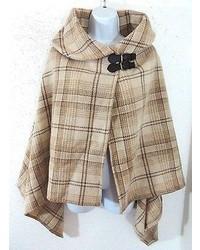 Бежевое пальто-накидка в шотландскую клетку