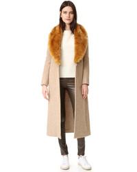 Женское бежевое пальто с меховым воротником от Helmut Lang