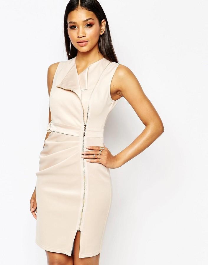 60d28ca161f ... Бежевое платье-футляр от Lipsy ...
