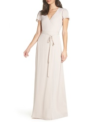 Бежевое шелковое платье-макси