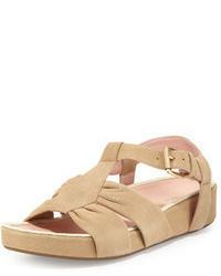 Бежевые замшевые сандалии на плоской подошве
