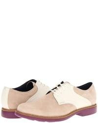 Бежевые замшевые туфли дерби