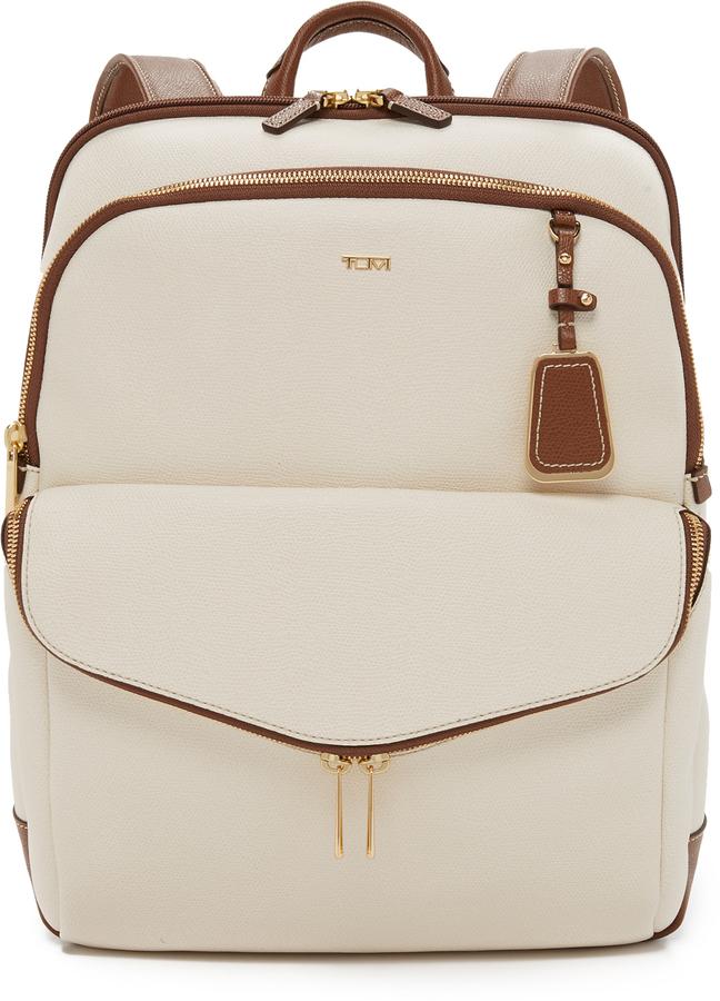 Женский бежевый кожаный рюкзак от Tumi   Где купить и с чем носить 78786843bc9