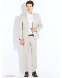 Бежевый костюм от Valenti