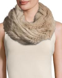 Женский бежевый меховой шарф