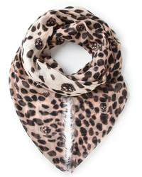 Бежевый шарф с леопардовым принтом
