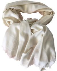 Бежевый шарф