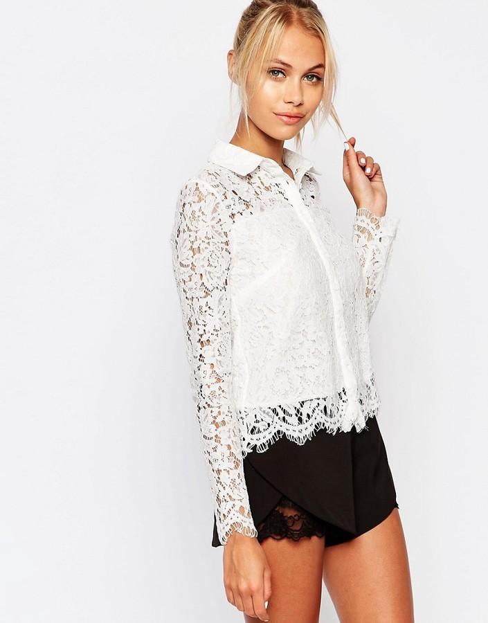 e46a1047b81 ... Женская белая кружевная рубашка с цветочным принтом от Fashion Union ...