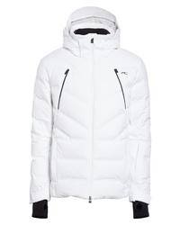 Белая куртка-пуховик
