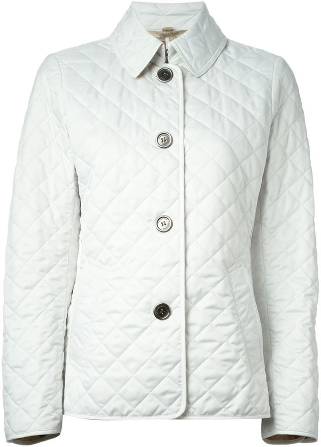 f74e8c9a317a Женская белая стеганая куртка от Burberry   Где купить и с чем носить