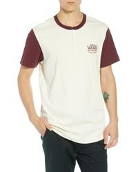 Белая футболка на пуговицах с принтом