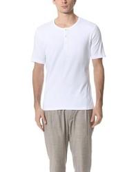 Мужская белая футболка на пуговицах
