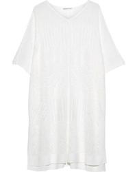 Белое вязаное пончо