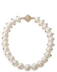 Белое жемчужное ожерелье