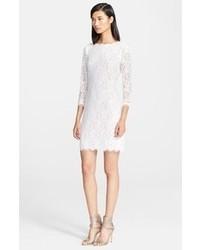 Белое кружевное облегающее платье