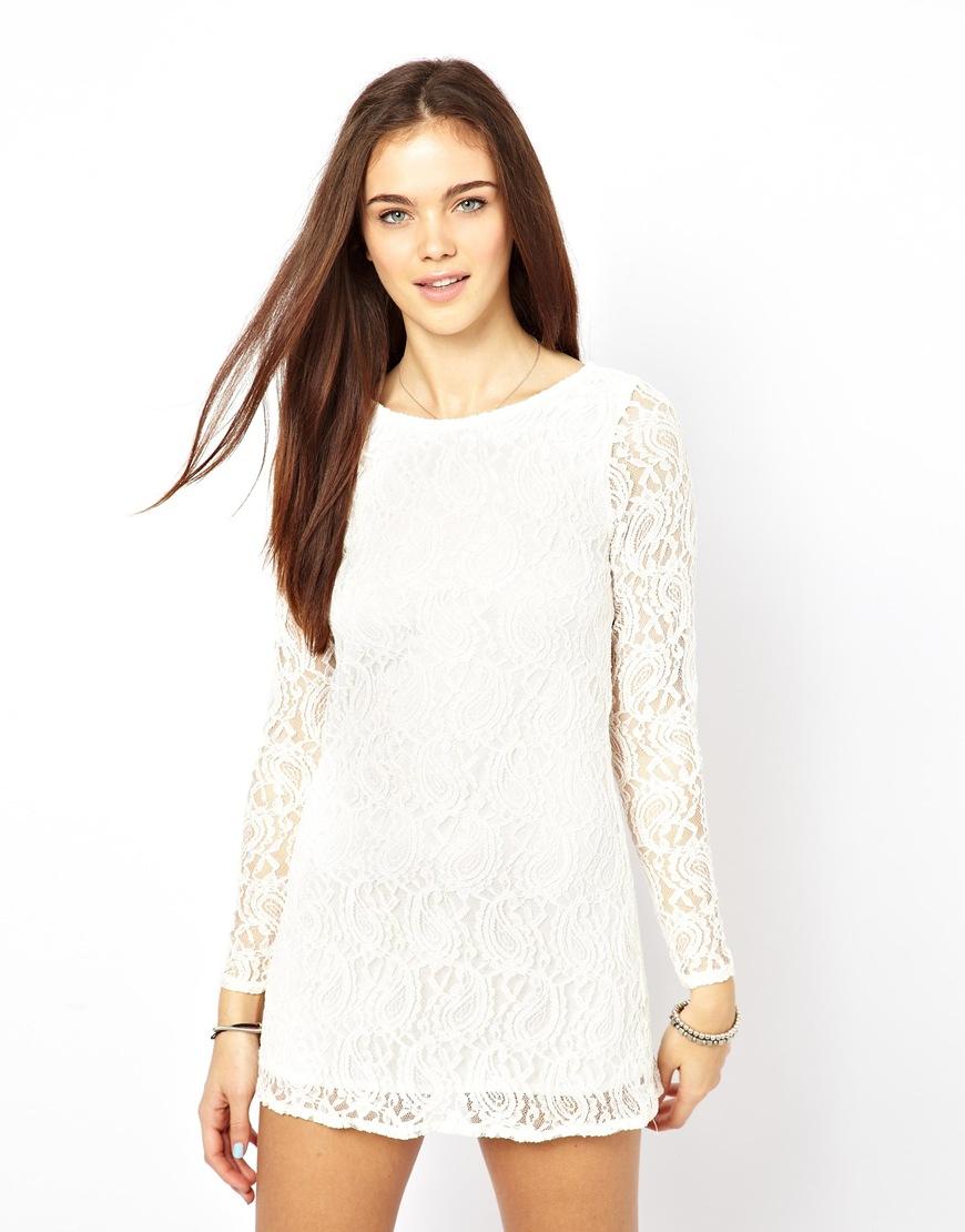 Женское белое кружевное платье