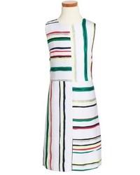 Белое платье в горизонтальную полоску