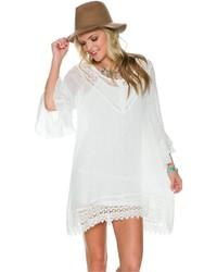 Белое платье-крестьянка