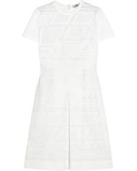 Белое платье прямого кроя в сеточку от Fendi