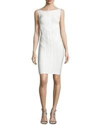 Женское белое платье-футляр от Herve Leger