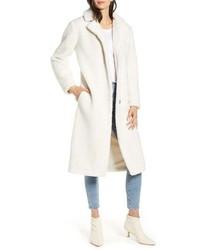 Белое флисовое пальто