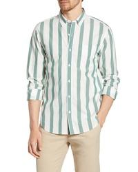 Бело-зеленая рубашка с длинным рукавом в вертикальную полоску