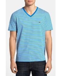 Бело-синяя футболка с v-образным вырезом в горизонтальную полоску