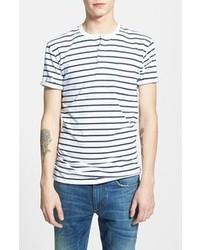 Бело-темно-синяя футболка на пуговицах в горизонтальную полоску