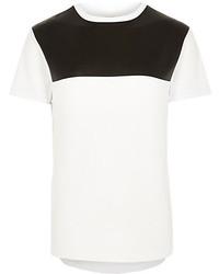 Бело-черная футболка с круглым вырезом