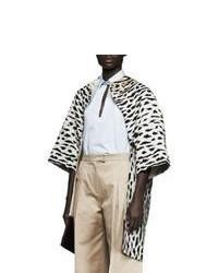 Бело-черное пальто с леопардовым принтом