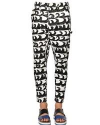 Бело-черные брюки чинос