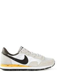 Бело-черные кроссовки