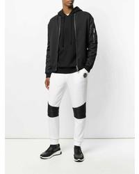 0e15ed36 С чем носить бело-черные спортивные штаны мужчине? Модные луки (16 ...