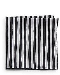 Бело-черный нагрудный платок в вертикальную полоску