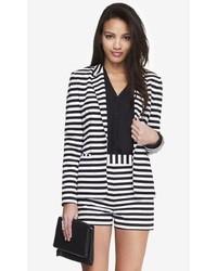 Бело-черный пиджак в горизонтальную полоску