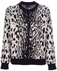 Бело-черный свитер с круглым вырезом с леопардовым принтом
