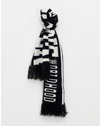 Бело-черный шарф с принтом