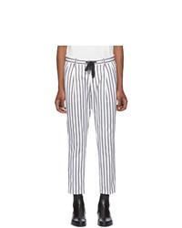 Белые брюки чинос в вертикальную полоску