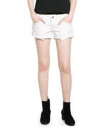 Белые джинсовые рваные шорты