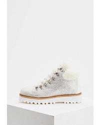 Женские белые замшевые ботинки на шнуровке с украшением от Lola Cruz