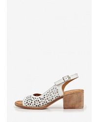 Белые кожаные босоножки на каблуке от Alessio Nesca